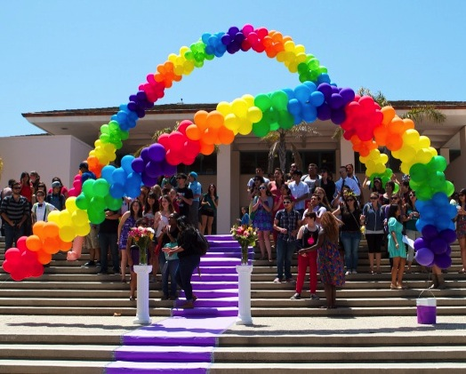 UCSB students gather for a PRIDE event.